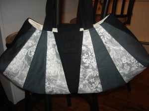 Black & Grey Dresden Purse