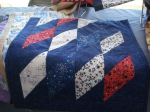 Tablerunner -Bayside Pattern in Red, white and blue