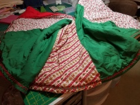 christmas-tree-skirt